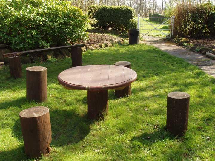 Amazing Garden Table 720 x 540 · 76 kB · jpeg